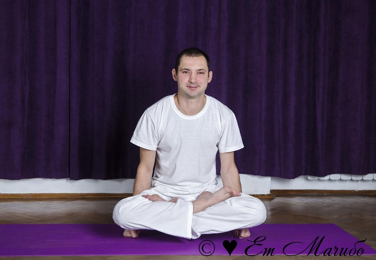 Йога за начинаещи с Иван Караиванов